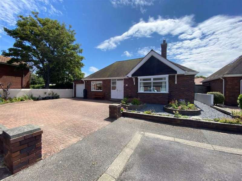 2 Bedrooms Detached Bungalow for sale in Russell Court, Rhyl, Denbighsire