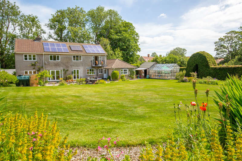 5 Bedrooms Detached House for sale in The Green, Priddy, Wells