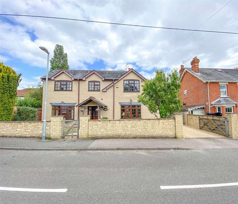 5 Bedrooms Detached House for sale in Owlsmoor Road, Owlsmoor, Sandhurst, Berkshire, GU47