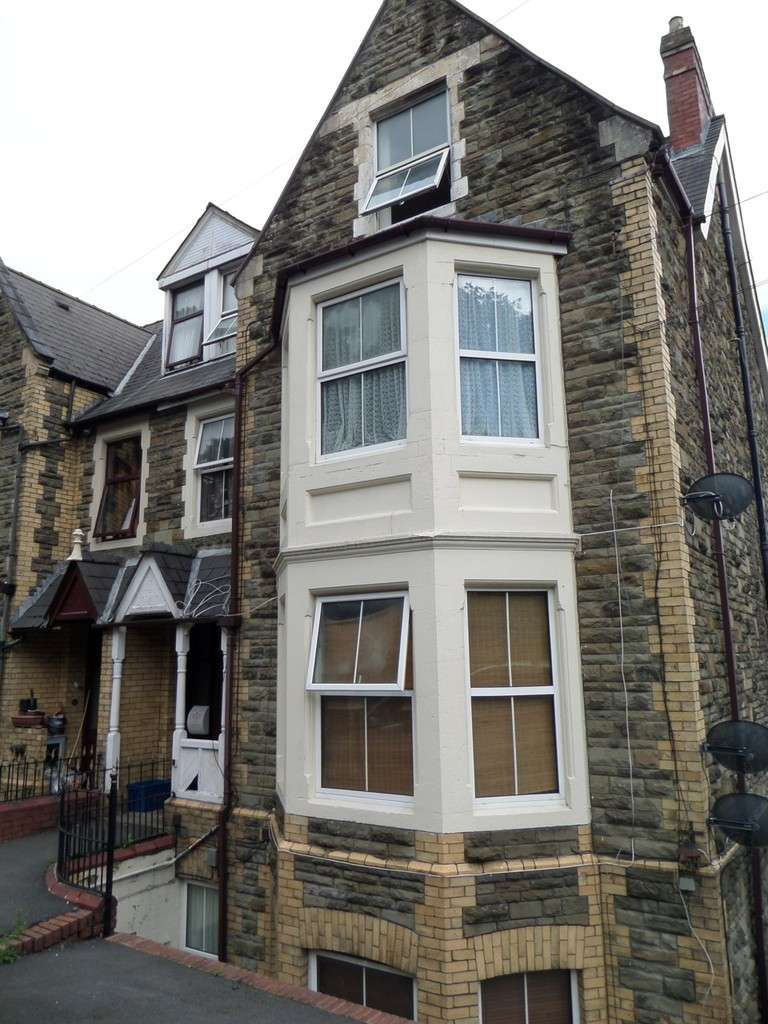 Property for rent in Oakfield Road, Newport NP20