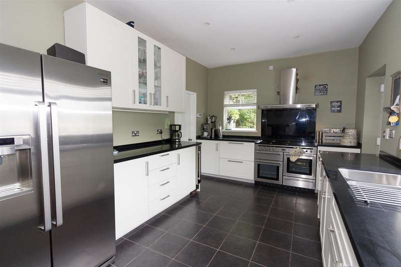 4 Bedrooms House for sale in Croft End, Wigan Lane, Wigan.