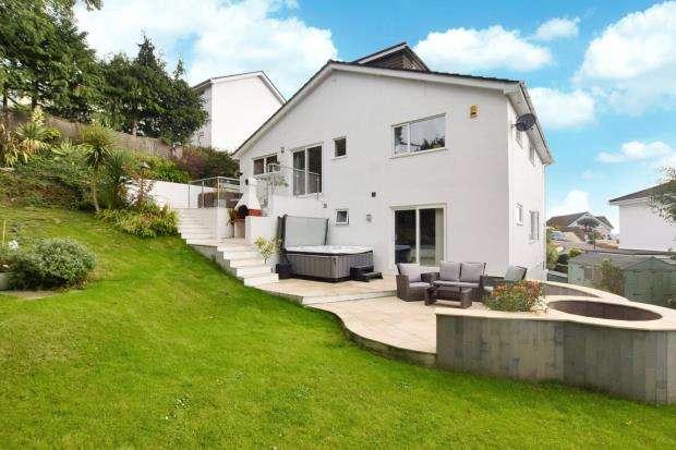 5 Bedrooms Detached House for sale in Shorton Road, Preston, Paignton