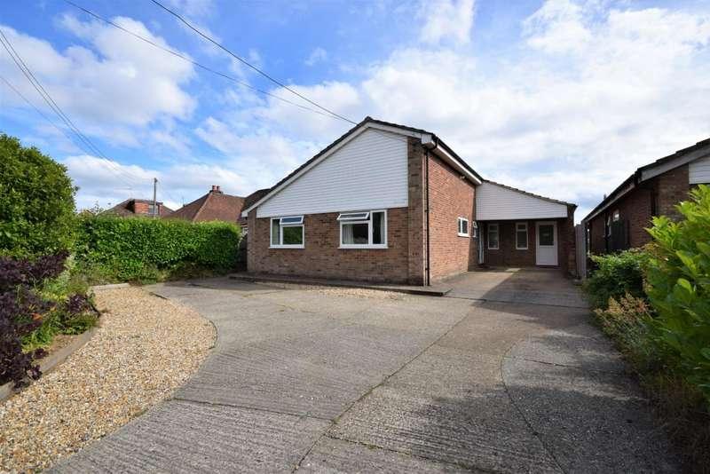 4 Bedrooms Bungalow for sale in Oakley, Basingstoke, RG23