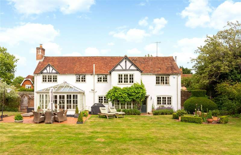 5 Bedrooms Detached House for sale in Petworth Road, Witley, Godalming, Surrey, GU8