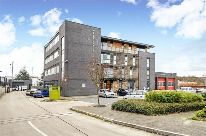 1 Bedroom Apartment Flat for sale in Phoenix Apartments, 223-229 Lower High Street, Watford, Hertfordshire, WD17