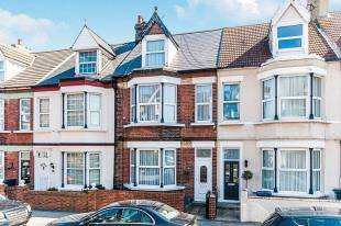 4 Bedrooms Terraced House for sale in Hatfeild Road, Margate, Kent, .