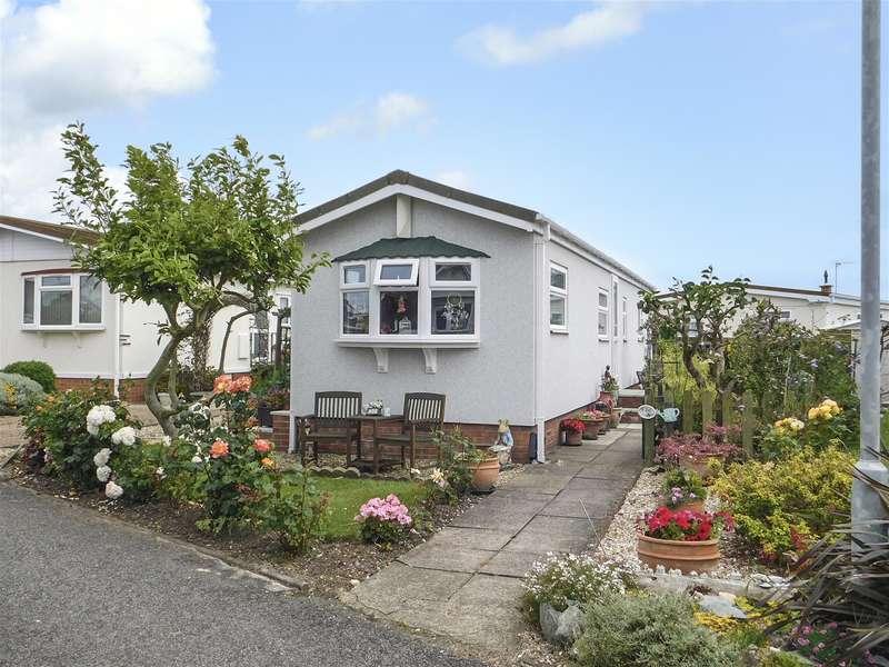 2 Bedrooms Park Home Mobile Home for sale in Sunnyside Park, Sea Lane, Ingoldmells, PE25 1SA