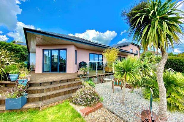 4 Bedrooms Detached House for sale in Coreway, Sidford, Sidmouth, Devon