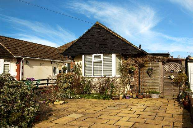 3 Bedrooms Semi Detached Bungalow for sale in Palliser Road, Chalfont St. Giles, Buckinghamshire