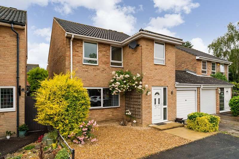 4 Bedrooms Link Detached House for sale in Culver, Netley Abbey, Southampton, Hampshire. SO31 5GJ