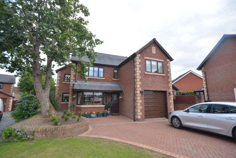 4 Bedrooms Property for sale in 8 Hazel Tree Court, Neath