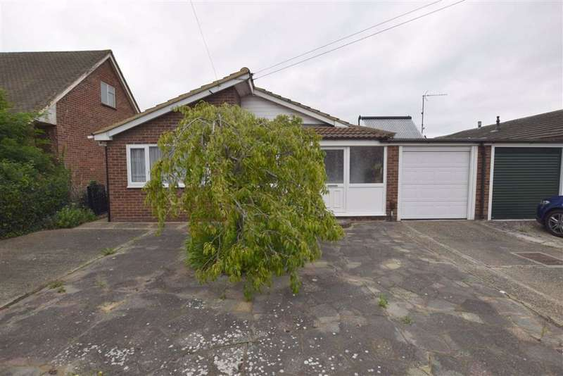 3 Bedrooms Detached Bungalow for sale in Gordon Road, Basildon, Essex