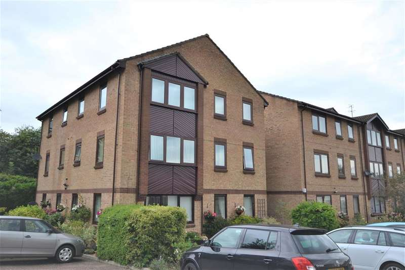2 Bedrooms Flat for sale in Champions Court, Henlow Drive, Dursley, GL11 4BE