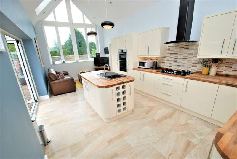3 Bedrooms Semi Detached House for sale in Readhead Road, South Shields
