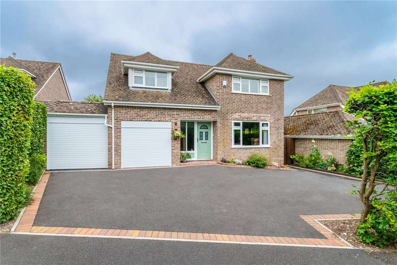 3 Bedrooms Detached House for sale in Bond Close, Sway, Lymington, Hampshire, SO41