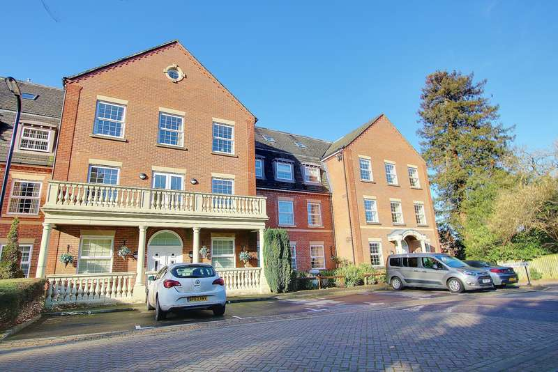 2 Bedrooms Apartment Flat for sale in EXECUTIVE APARTMENT IN HIGHLY REQUESTED LOCATION! A MUST SEE!