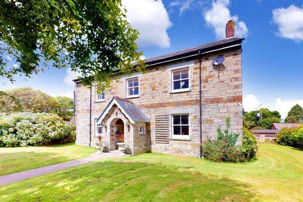 5 Bedrooms Detached House for sale in East Taphouse, Liskeard, Cornwall