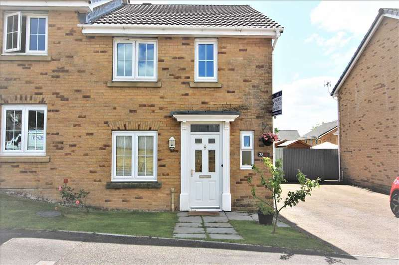 3 Bedrooms Semi Detached House for sale in Heol Dinas Isaf, Tonypandy