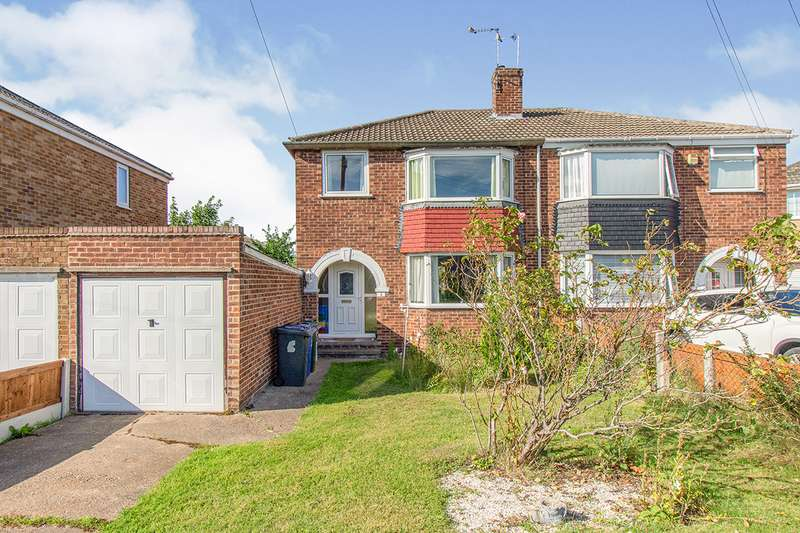 3 Bedrooms Semi Detached House for sale in Kings Close, Hatfield, DN7