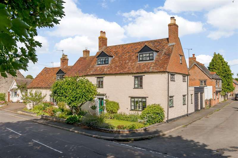 4 Bedrooms Detached House for sale in Crown Street, Harbury, Leamington Spa, Warwickshire