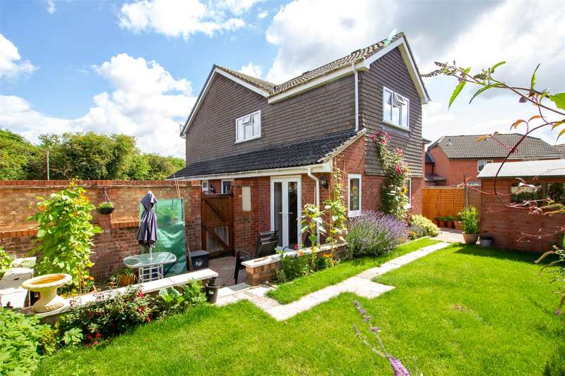 2 Bedrooms End Of Terrace House for sale in Glenmore Road, Carterton, Oxfordshire, OX18
