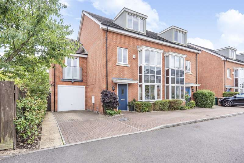 4 Bedrooms End Of Terrace House for sale in Fairwater Drive, Shepperton, TW17