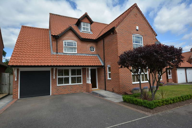 5 Bedrooms Detached House for sale in Archers Field, Southwell