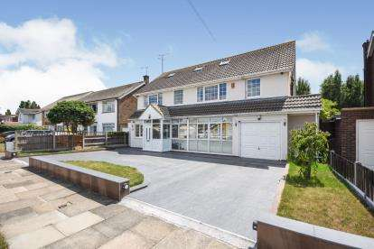 6 Bedrooms Detached House for sale in Thorpe Bay, Essex, .