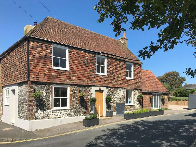 4 Bedrooms House for sale in 1 Kingsdown Road, St Margarets At Cliffe, CT15