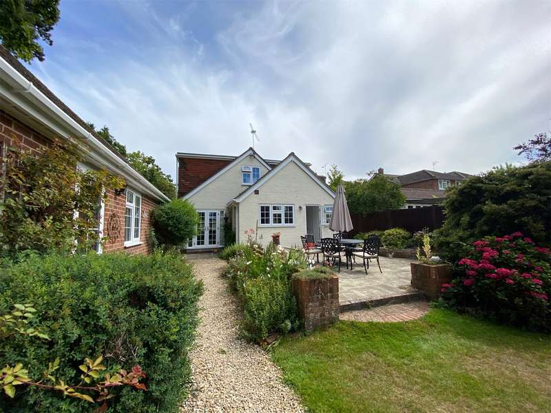 4 Bedrooms Detached House for sale in Plough Lane, Wokingham, Berkshire, RG40