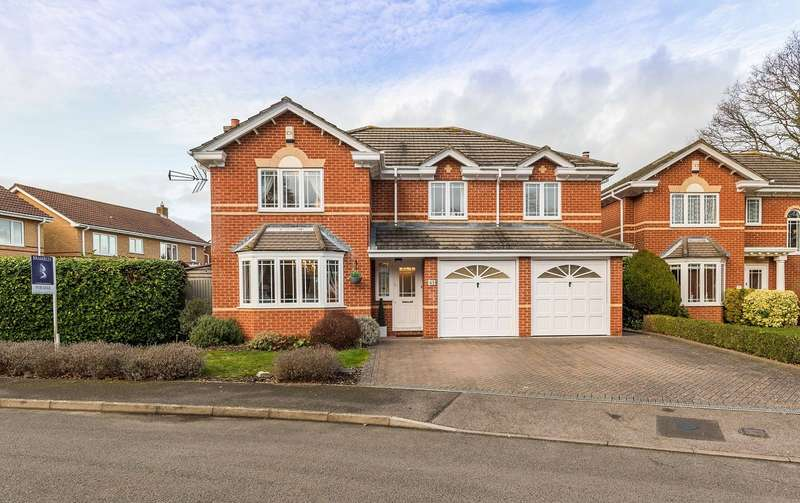 5 Bedrooms Detached House for sale in Sovereign Crescent, Fareham, Hampshire. PO14 4LU
