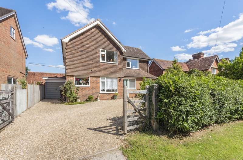 3 Bedrooms Detached House for sale in The Street, Stedham, Midhurst, GU29