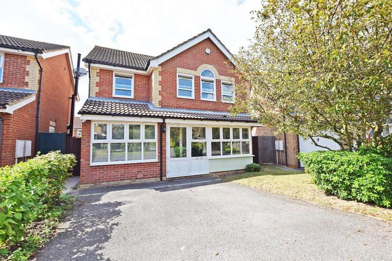 5 Bedrooms Detached House for sale in Ten Acre Way, Rainham, Gillingham