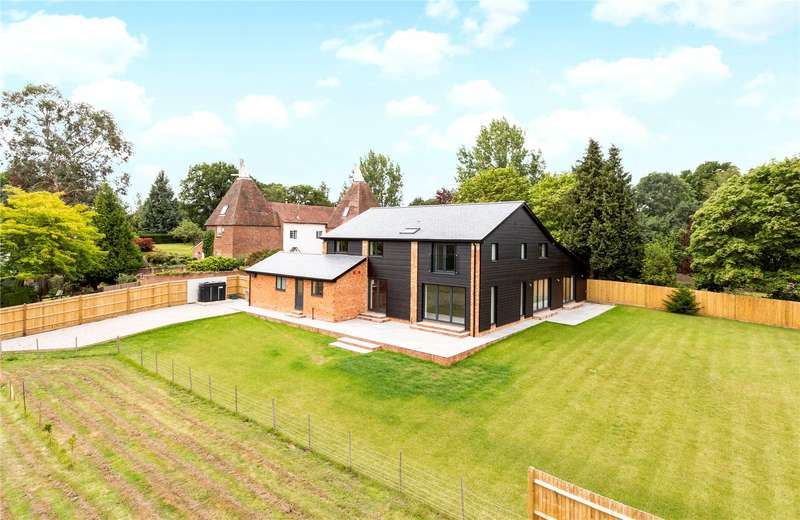 5 Bedrooms Detached House for sale in Horsmonden Road, Brenchley, Kent, TN12