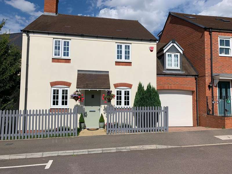 4 Bedrooms Link Detached House for sale in Wagstaff Way, Ampthill, Bedford, MK45