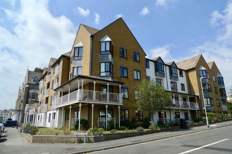 2 Bedrooms Flat for sale in Victoria Parade, Ramsgate, CT11