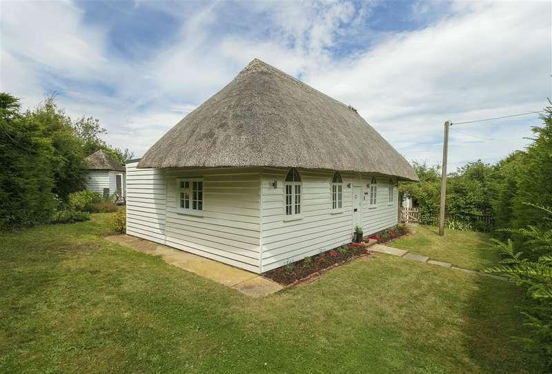 2 Bedrooms Detached House for sale in Rose Cottage, Fox Lane, Oversland