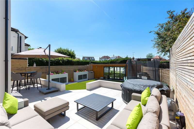 4 Bedrooms Detached House for sale in Nine Ashes Road, Stondon Massey, Brentwood, Essex, CM15