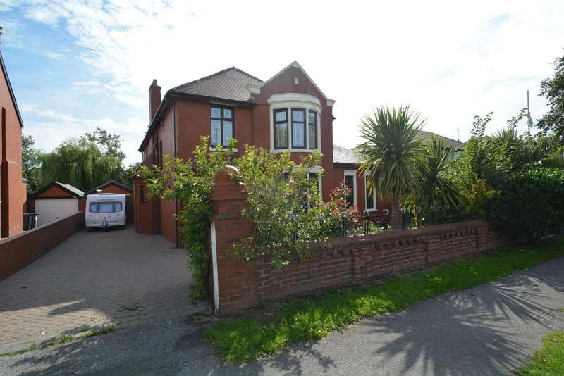 4 Bedrooms Detached House for sale in Preston New Road, Blackpool, FY4 4HE