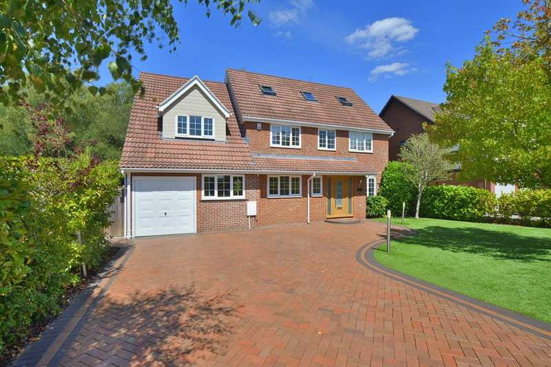 6 Bedrooms Detached House for sale in Cedar Way, Ferndown