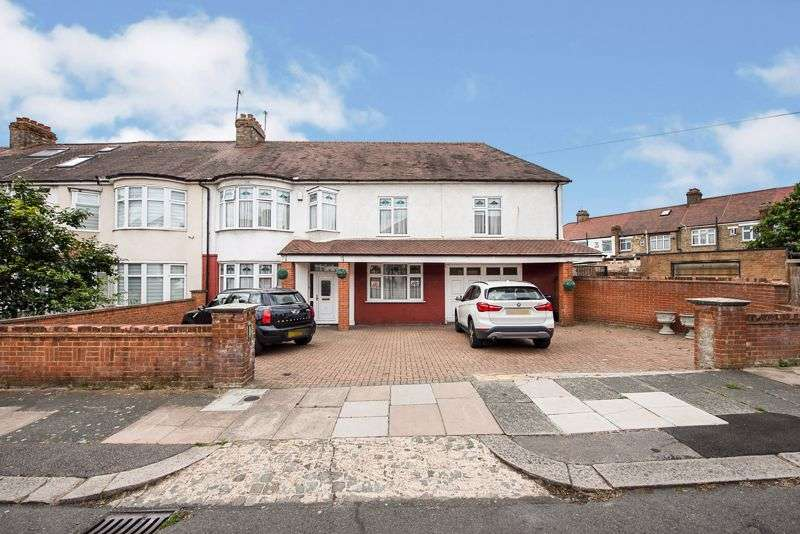 7 Bedrooms Property for sale in Dorchester Avenue, London N13