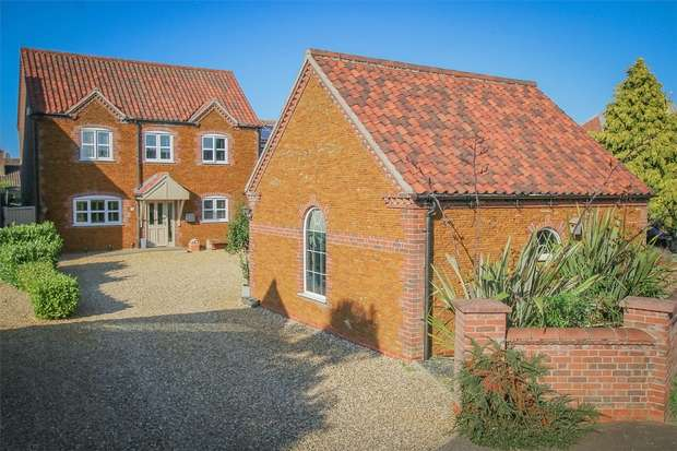 4 Bedrooms Detached House for sale in Heacham