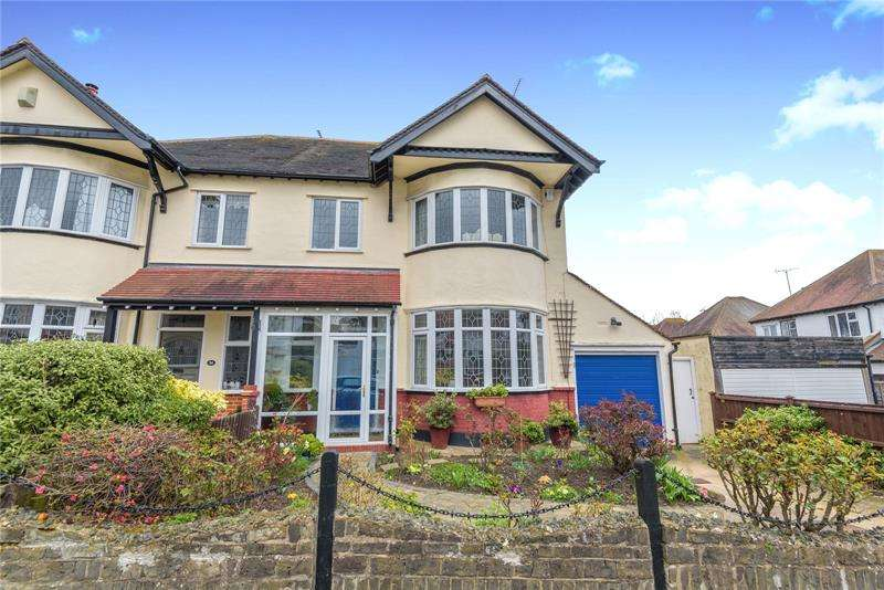 4 Bedrooms Semi Detached House for sale in Hillway, Chalkwell, Essex, SS0