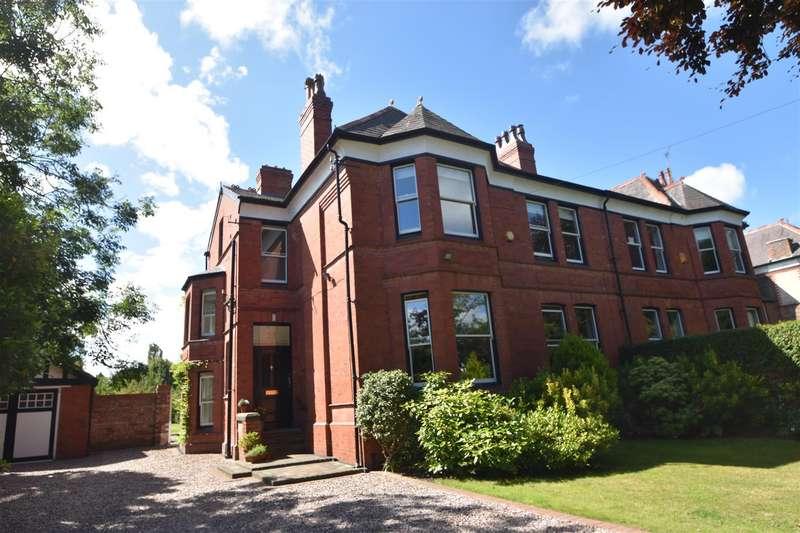 6 Bedrooms Semi Detached House for sale in Ashburton Road, Prenton