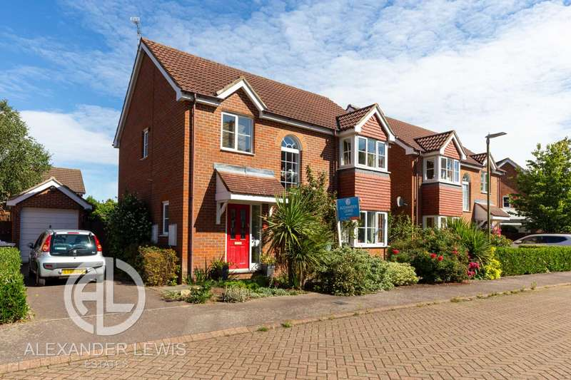 4 Bedrooms Detached House for sale in Oaktree Close, Letchworth, SG6 3XY