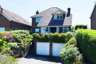 3 Bedrooms Detached House for sale in Upper Greenwoods Lane, Punnetts Town, Heathfield, East Sussex