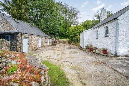 3 Bedrooms Detached House for sale in Nefyn, Pwllheli, Gwynedd, ., LL53