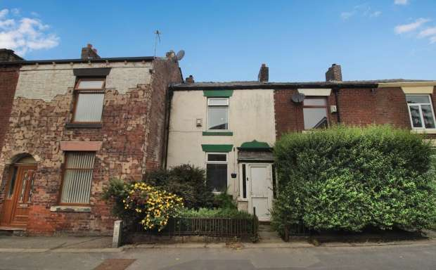 Terraced House for sale in Ripponden Road, Oldham, Greater Manchester, OL1 4JU