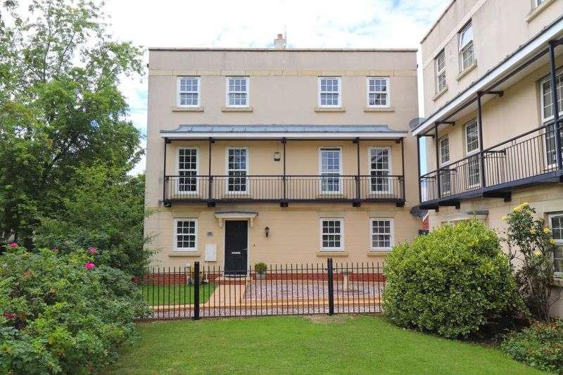 4 Bedrooms Property for rent in Lobleys Drive, Gloucester