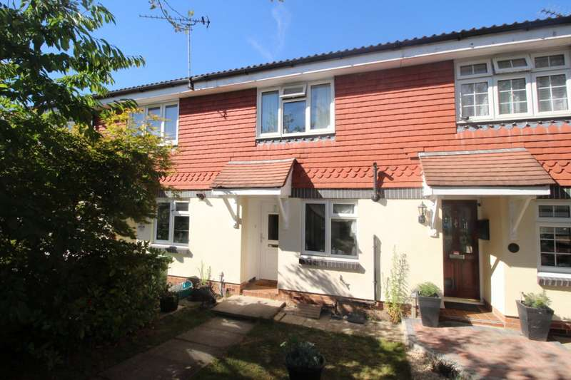 2 Bedrooms House for sale in Turner Court, Dartford, Kent, DA1